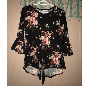 Reb. J Bell Sleeve Front Knot Top